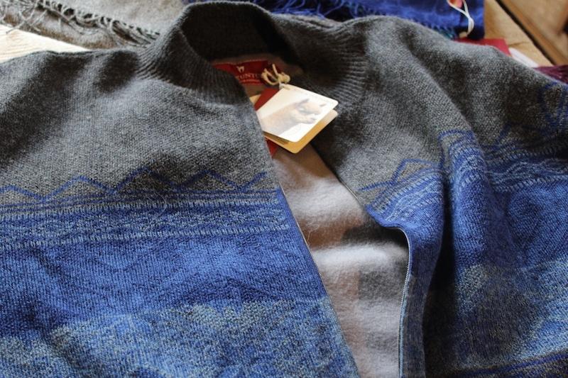 """Nur ausgewählte Importware aus """"fairem Handel"""" direkt aus Peru wird im Laden von Silke Aufenacker verkauft."""